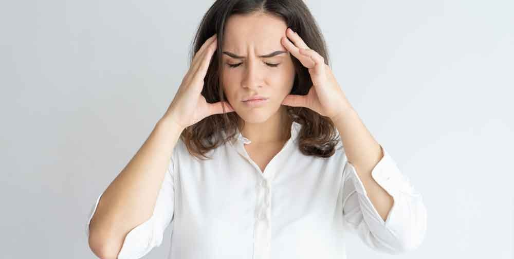 TMJ and dizziness symptoms often go together. The prevalence of people who suffer with TMJ and dizziness symptoms simultaneously is high.