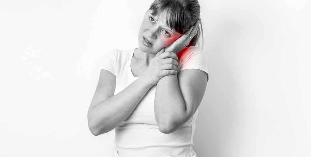 Many people wonder - Can neck problems cause ear problems? The answer is 100 percent yes. Neck and ear pain can be the result of an old neck injury.